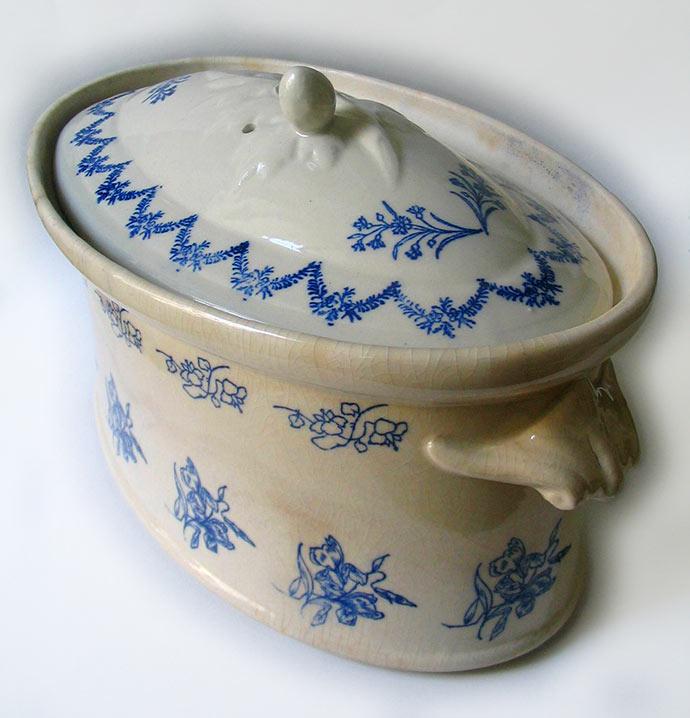 Une terrine en grès conçue pour le pâté de Périgueux