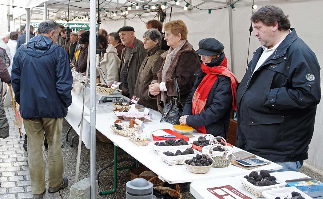 Les marchés aux Truffes en Périgord