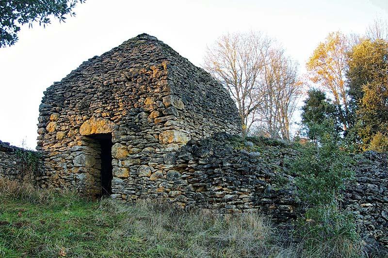 vitrac-cabane-en-pierres-seches-pech-lauzier
