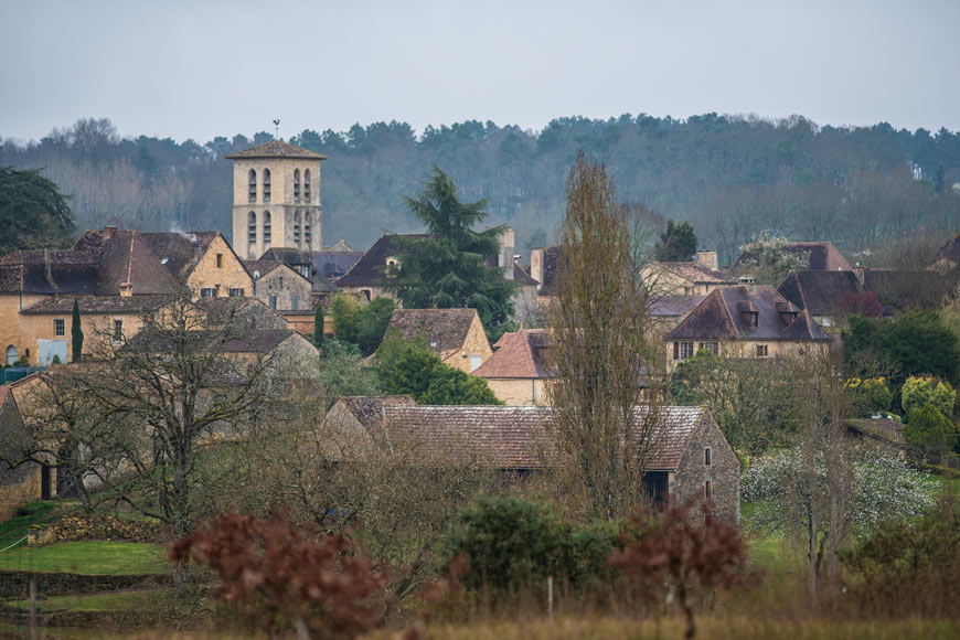 Vue du clocher de la bastide de Molières en Dordogne-Perigord