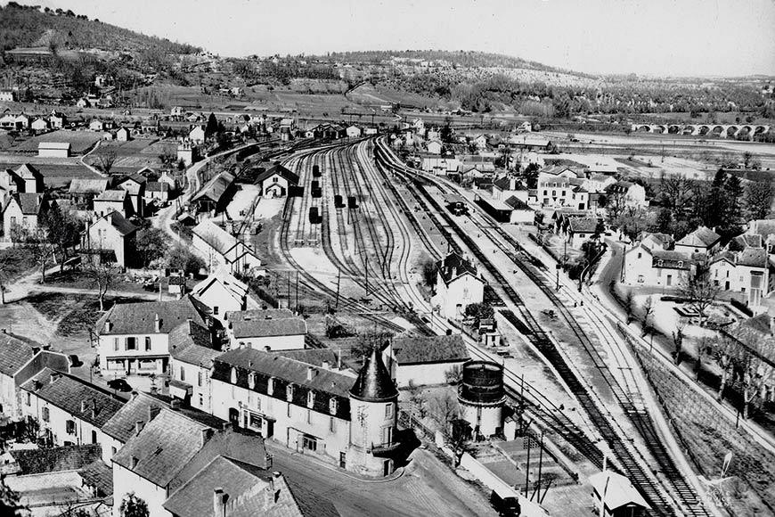 Vue aérienne de la gare du Buisson de Cadouin en Dordogne