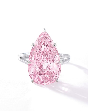 "Bague Diamant ""Fancy Vivid Pink"", diamants, platine. Crédit Sotheby's"