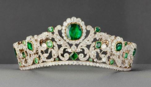 Diadéme Diamants et Émeraudes Crédit Musée du Louvre