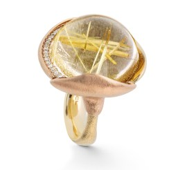 Bague Or, Quartz Rutile et Diamants Crédit Ole Lynggaard