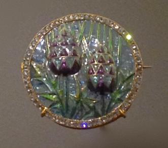 """Broche """"Chardons"""" Or, Émaux à pique à jour, diamants. Georges Fouquet d'après Desrosiers"""