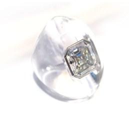 Suzanne Belperron. Bague Diamant et Cristal de Roche. Crédit Olivier Baroin ©