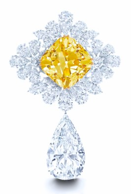 "Clip ""Royal star"", Diamant Jaune ""Sun Flower"" 107,46cts et Diamant poire ""Graff Perfection""100cts D FL GRAFF"