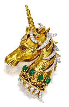 "David Webb Broche "" Licorne"", Or, Émeraudes, Rubis, Diamants"