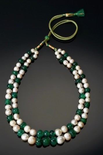 Collier Émeraudes, Perles Fines The Al Thani Collection © Servette Overseas Limited 2014