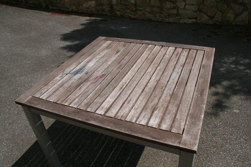 rénovation vieille table en bois pin