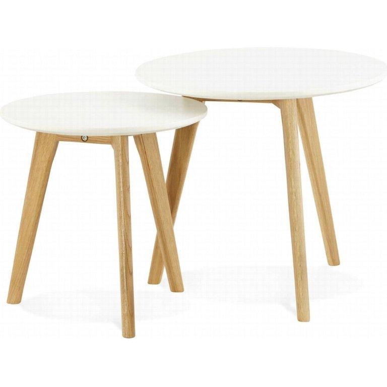 Pequenas mesas laterais de estilo escandinavo para a sala de estar ou quarto