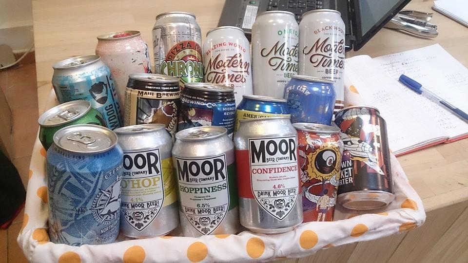Latas de cerveza artesana