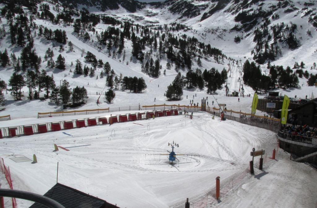 jardines de nieve Viajar y Esquiar con Familia, niños y peques