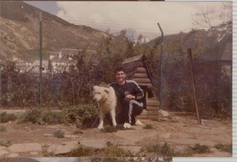 Para que os acordeis como era el chandal de la compañia, os pongo una foto de Argente junto a Copito (al pobre le hacian menos fotos que a Torete)