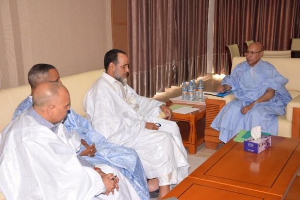 """المجموعة المنسحبة من """"تواصل"""" في لقاء سابق مع ولد الغزواني"""
