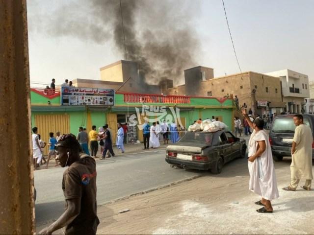 حريق في محل تجاري بلكصر - (المصدر: الصحراء Plus)