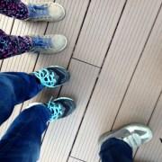 Des pieds, des pieds, des queues, des queues...