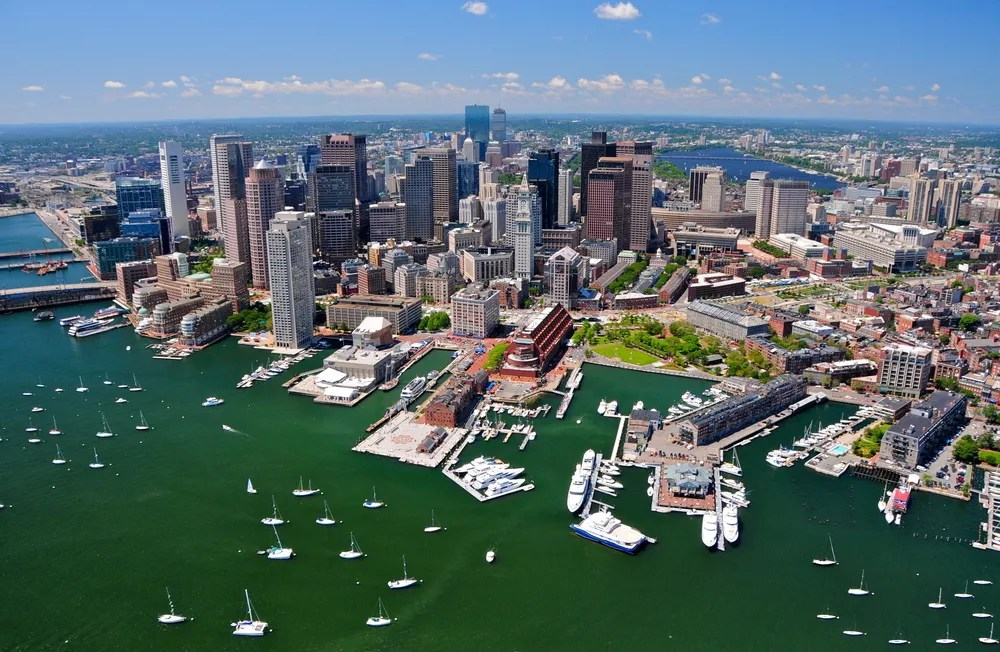 7 Best Neighborhoods in Boston for Young Professionals via @extraspace
