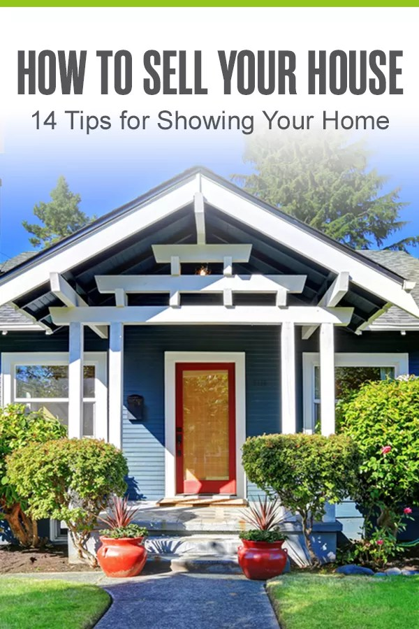 Prepping your house for home showings? From making the bed every day to letting in natural light, there are a lot of things you should do—and avoid doing—when trying to sell your home. Here are 14 home showing tips to help you sell your home faster! via @extraspace