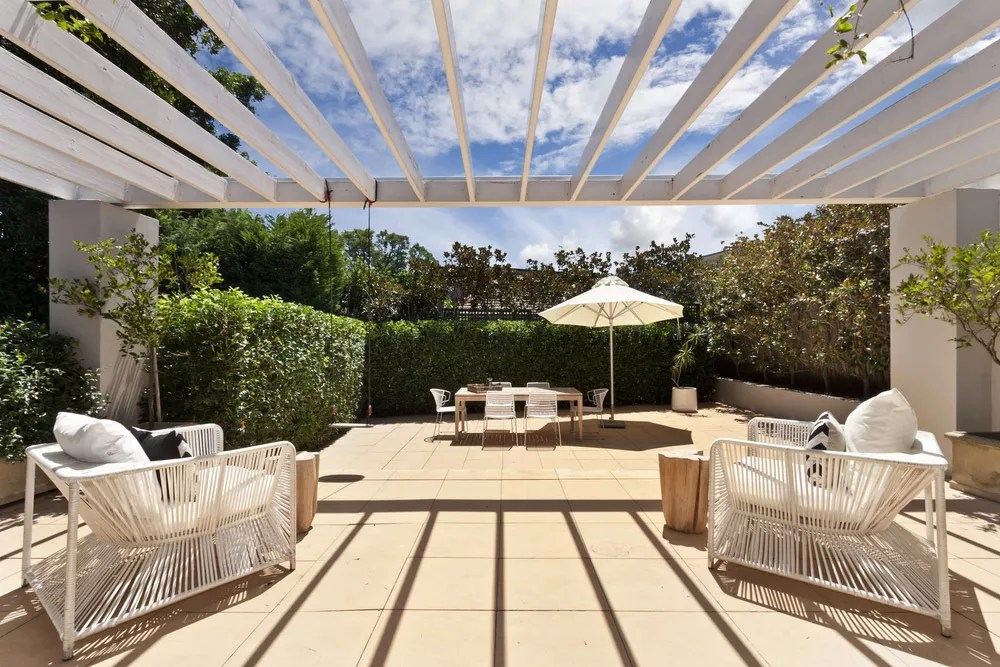 ... Fire Pit Ideas For A Spacious Backyard, Or The Perfect Focal Point To  Make Your Yard Pop, The Outdoor Room Of Your Dreams Is Possible On Any  Budget!