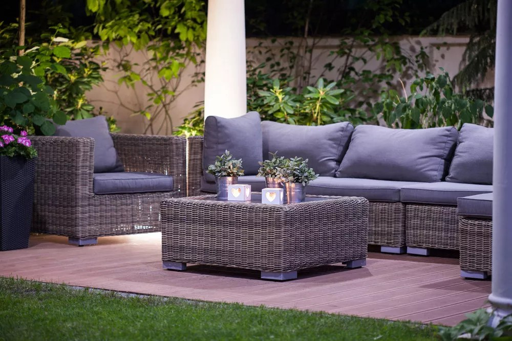 39 Ideas for Creating the Ultimate Outdoor Living Room via @extraspace