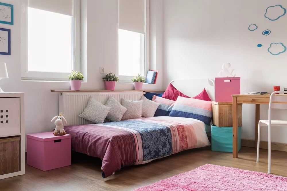 28 Teen Bedroom Ideas for the Ultimate Room Makeover ... on Teenage Small Bedroom Ideas  id=73290