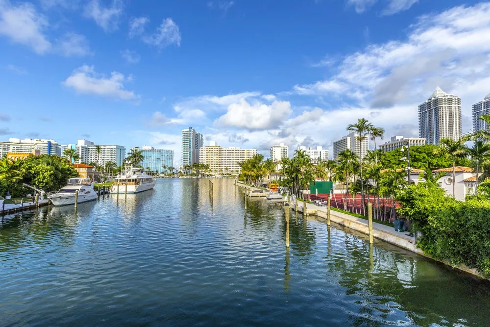 Best Places to Buy a Home in Miami via @extraspace