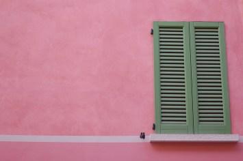 shutters-924979_960_720
