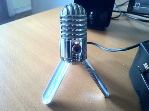 20110925 1941111 Review : Samson Meteor Mic   USB Microphone with Great Retro styling
