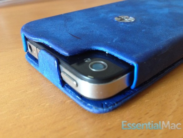 noreve exception case tab 586x440 Review : Noreve Exceptional Selection Leather iPhone Case