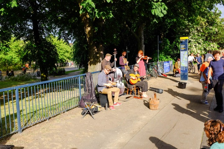 Buskers at Victoria Park