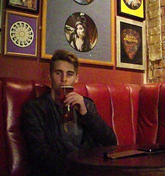 Mo and his Pint