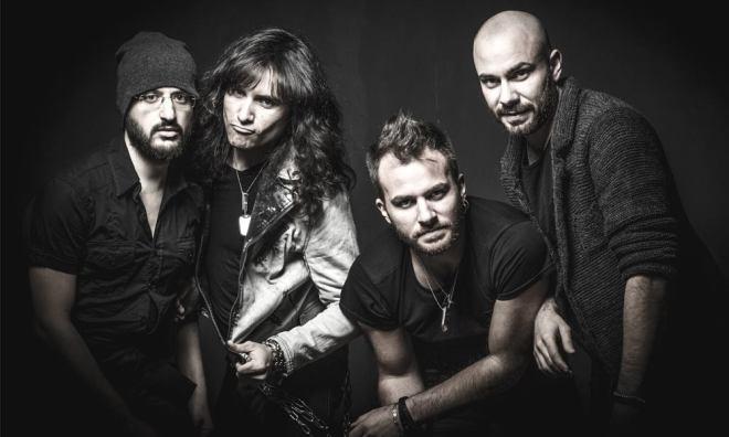Sandro Casali (lead vocals), Fulvio Carlini (guitar), Francesco Li Donni (bass), Luca Caserini (drums)