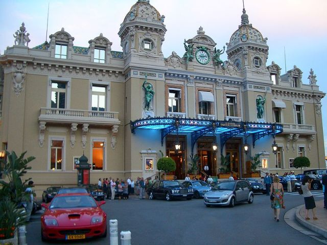 The Entrance of the Monte Carlo Casino. Photo credit: Vmenkov