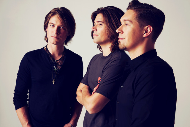HANSON Return To The UK This February As Part Of 'String Theory World Tour'