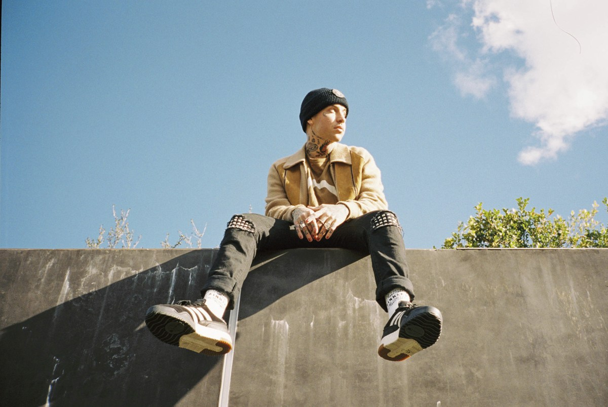 blackbear Releases Video For '1 SIDED LOVE'