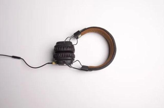 Image Credit: https://pixabay.com/photos/headphone-headphones-listening-1868612/