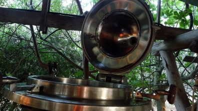 Mouth of the stainless steel distiller, each unit with a capacity of 600 liter volume