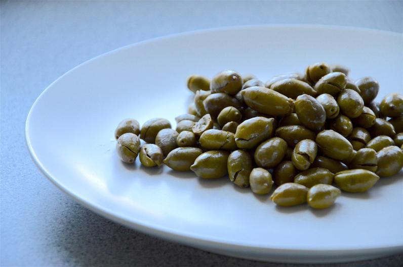 Green olives pickles serving