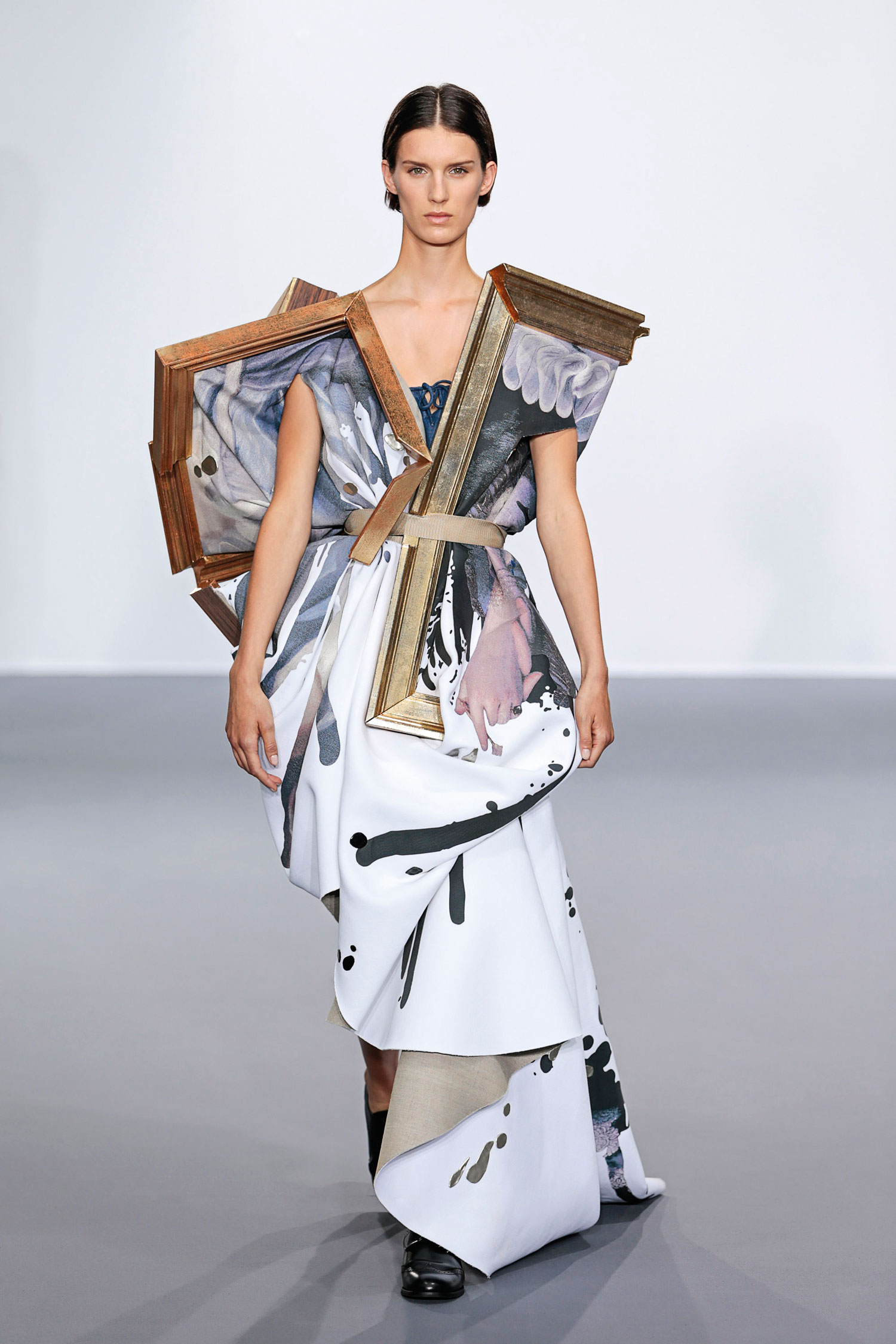 Viktor&Rolf Wearable Art haute couture collection, autumn–winter 2015–16 photo © Team Peter Stigter