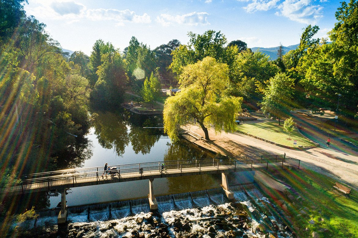 Ovens River, near Bight, Victoria can be reached via a leisurely post-lunch walk from the Porepunkah Hotel