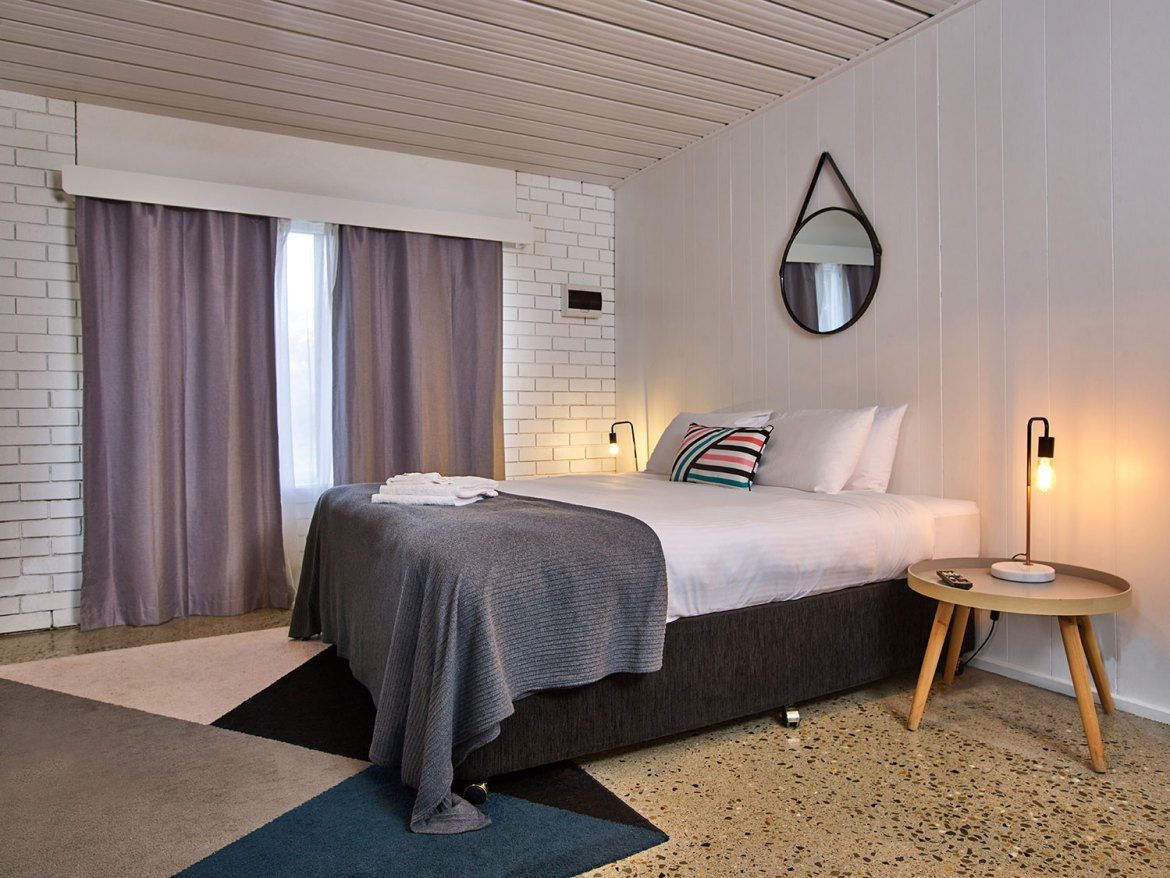 The Punka Pub offers, clean and comfortable onsite hotel rooms