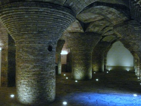 The basement of the palace resembles ancient cistern. The columns with fungiform capitals are built from a thick brick.