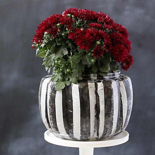 Make-a-striped-pumpkin-DIY-vase