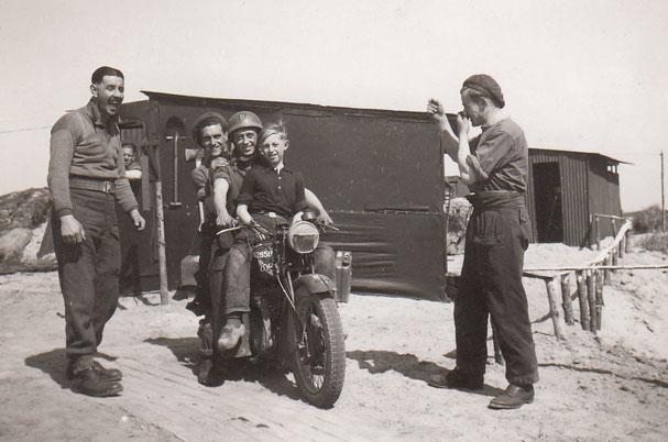 gussie-motorbike