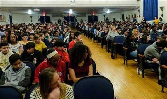 Holocaust survivor visits Roosevelt Middle School