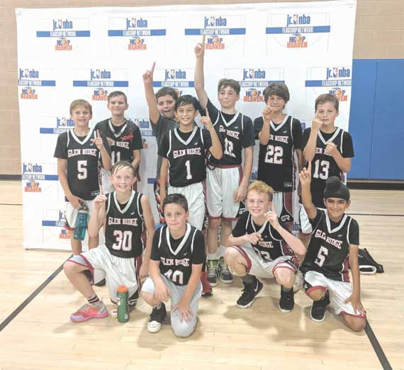 Glen Ridge 4th/5th Basketball Team wins title