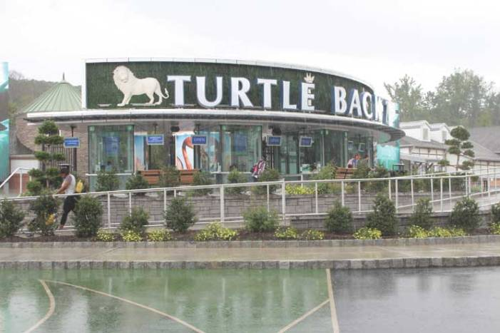 Towns continue asking county for more zoo-expansion info