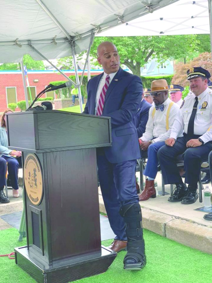 Mayor kicks off the Summer Policing Plan