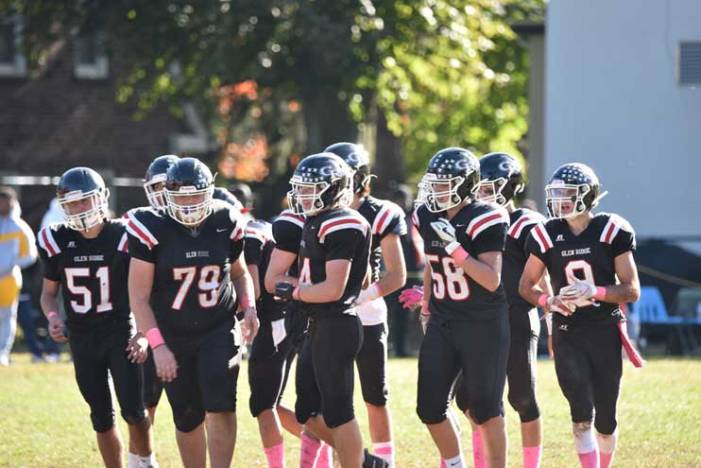 Glen Ridge HS football team falls to Verona; seeks win in season finale at Manville